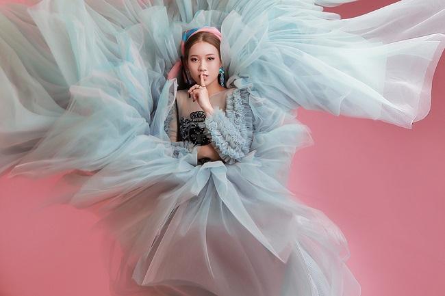 MC Cao Thanh Tú với vẻ đẹp kiêu sa và thu hút trong bộ ảnh thời trang