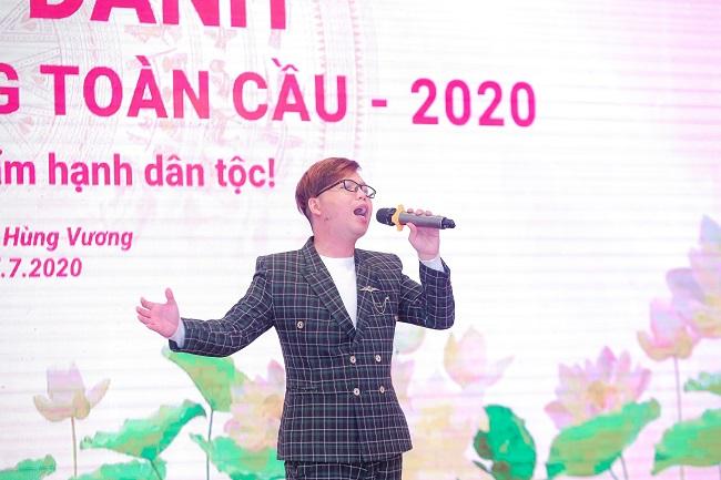 Holy thắng – 'Quán quân viết về ngày quốc tổ Việt Nam toàn cầu 2020'