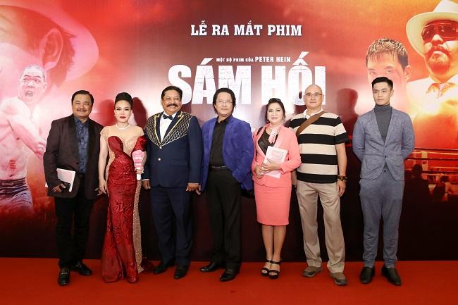 """Các sao lộng lẫy ra mắt phim """"Sám Hối"""", mọi chú ý đổ dồn về Việt Hương"""